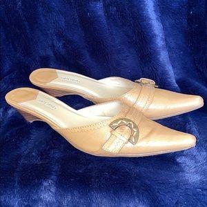 SPLASH FASHION FOOTWEAR BRAND.TAN MULES/SMALL HEEL